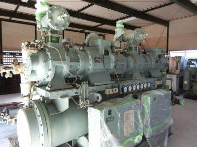 スクリュー冷凍機(日立製作所・RSU-1501T)元-11